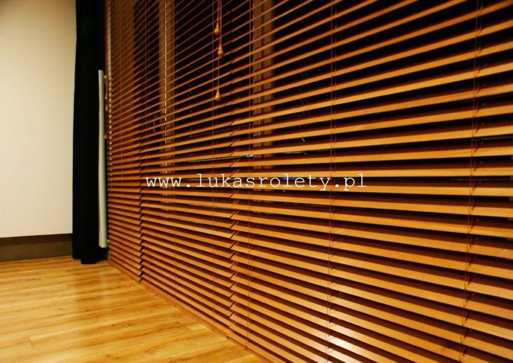 Galeria-zaluzje-drewniane-50mm-014